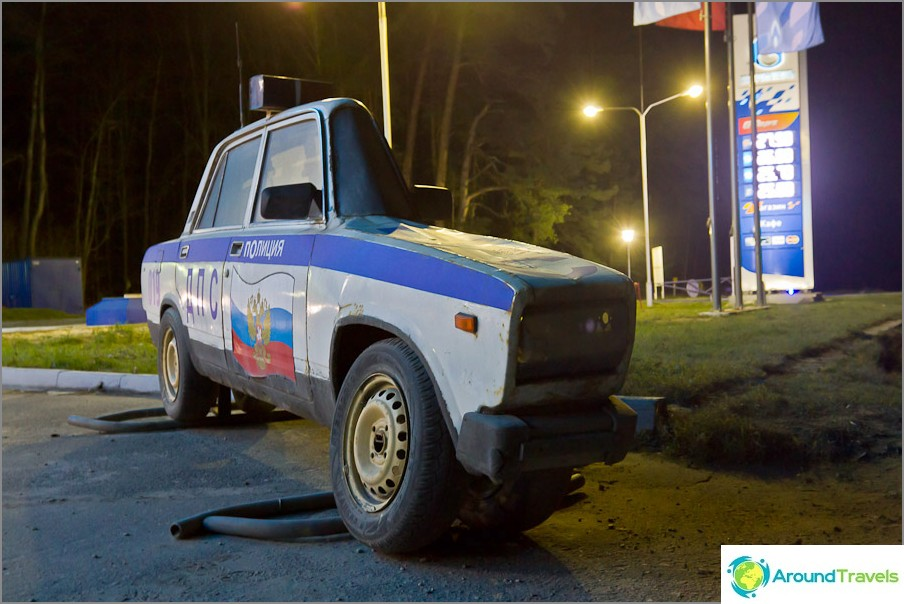Kalugan liikennepoliisiautojen mallien sijasta on olemassa sellaisia mestariteoksia