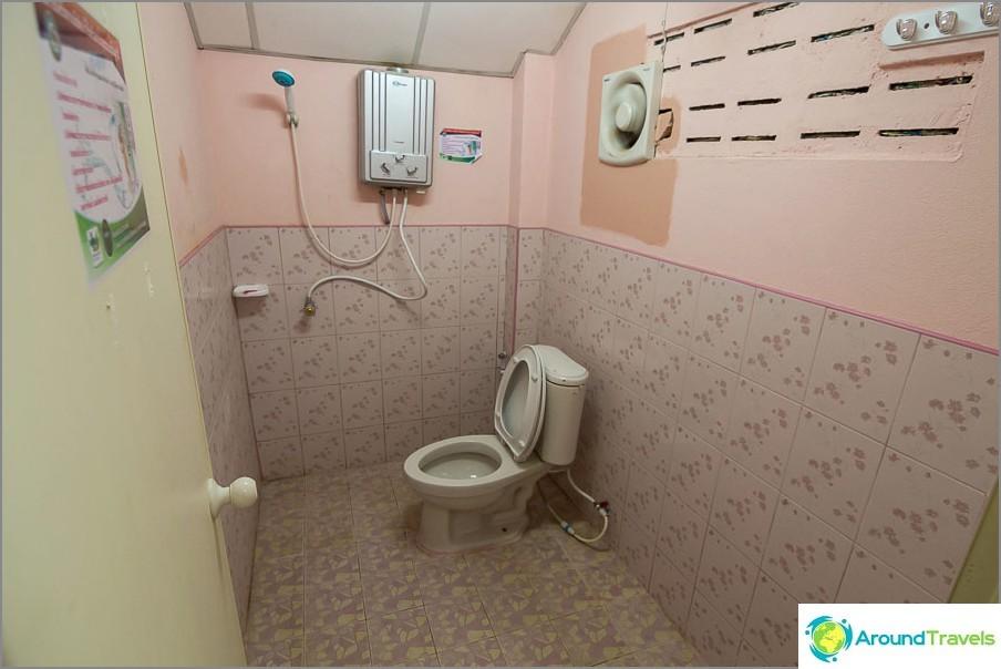 Kylpyhuone kaasupylväällä