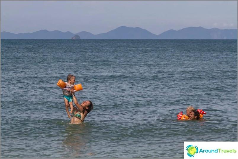 Плувайте на Западна Рейлай