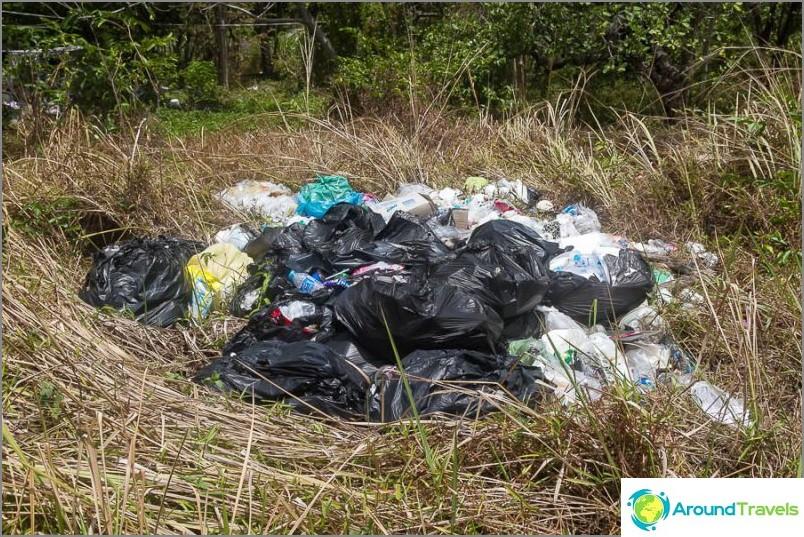 Боклукът се изнася, но все пак е достатъчно