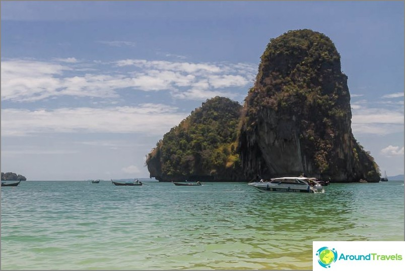 Изглед от плаж Прананг (полуостров Райлай)