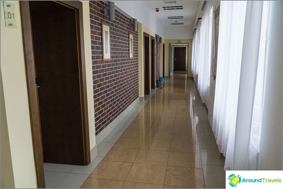 Ensimmäisen kerroksen käytävä