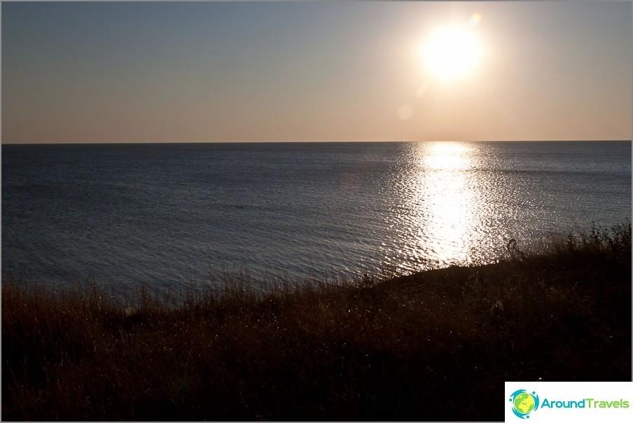 Tyypillinen auringonlasku Azovin merellä
