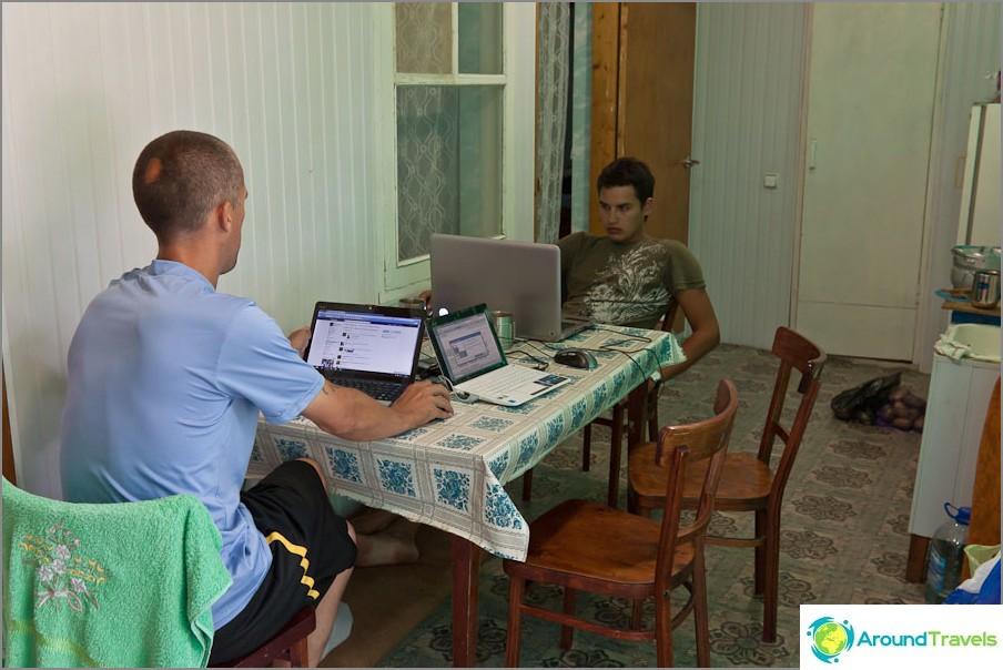 Toimistomme Dolzhanskayan kylässä