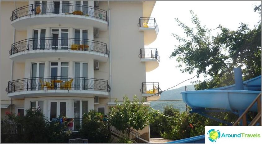 Къде е по-добре да отседнете в Лазаревски и евтино - списък с хотели