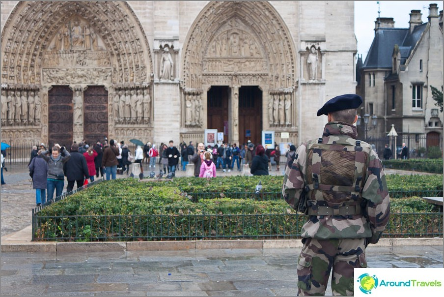 Notre Dame de Paris on luotettavan suojan alla