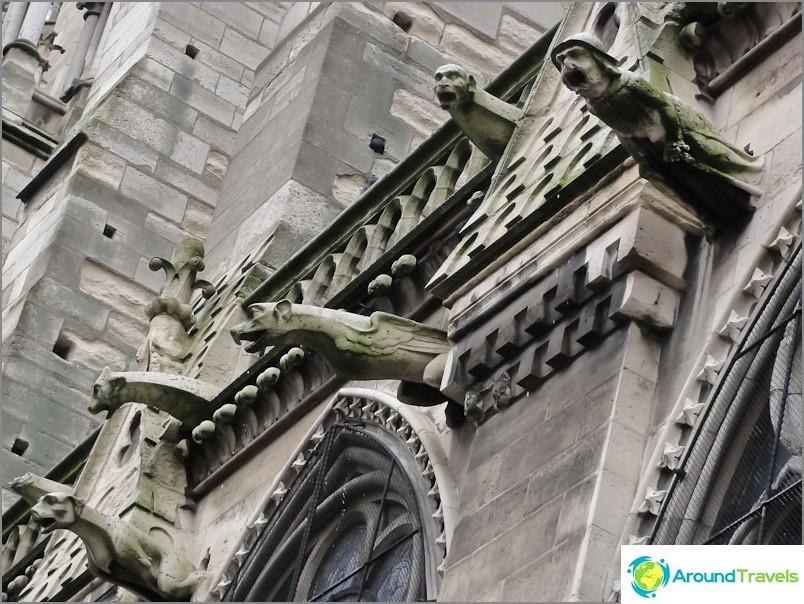 Notre Dame de Paris. Miksi yksi luku eroaa muusta?