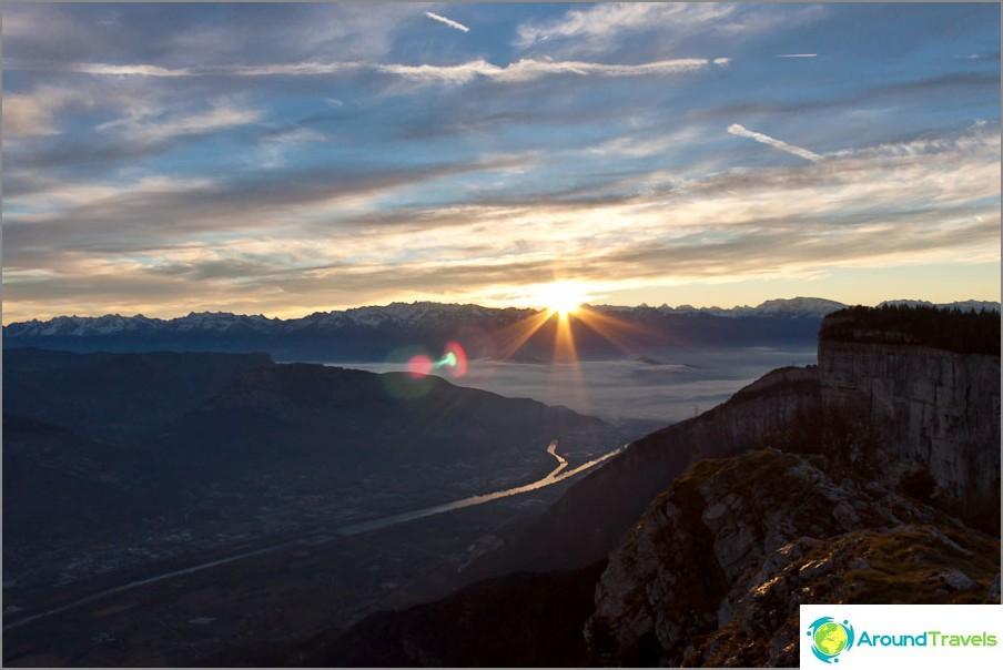 Зората в планините на Гренобъл