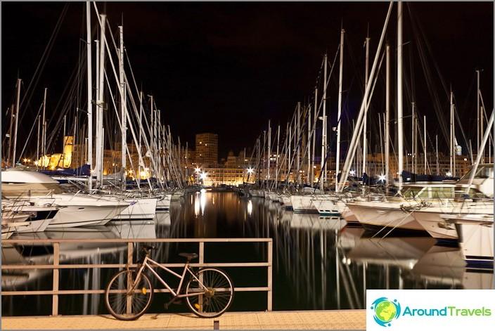 Yörannikolla Välimerellä, Marseillen kaupungissa
