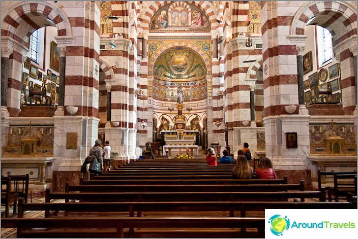 Marseillen kaupungin Notre Dame de la Garden katedraalissa