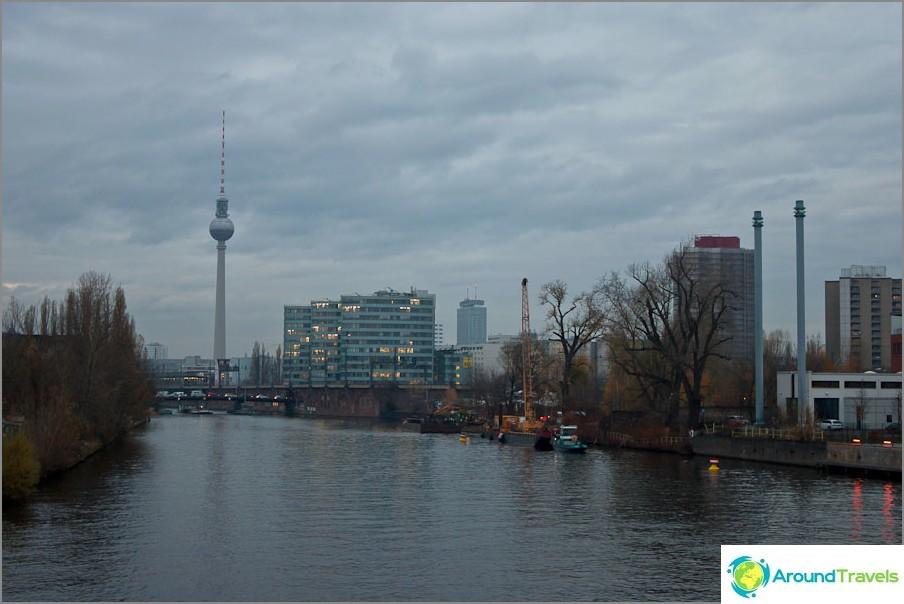 Снимки от Източен Берлин