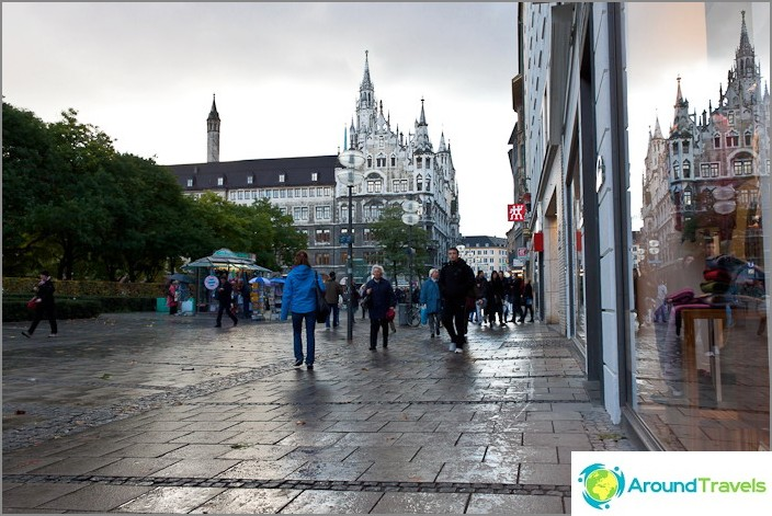 Стария град на Мюнхен с модерни витрини