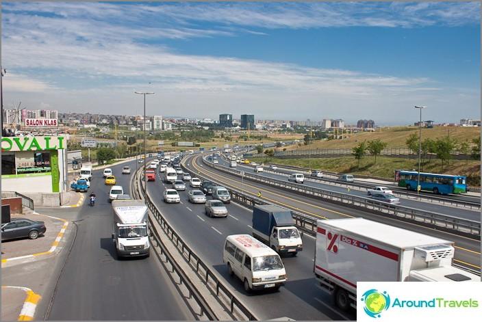 В близост до летище Ататюрк. Истанбул.