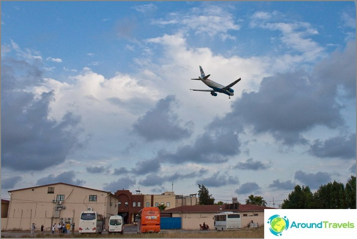 Самолети над магазина. Анталия.