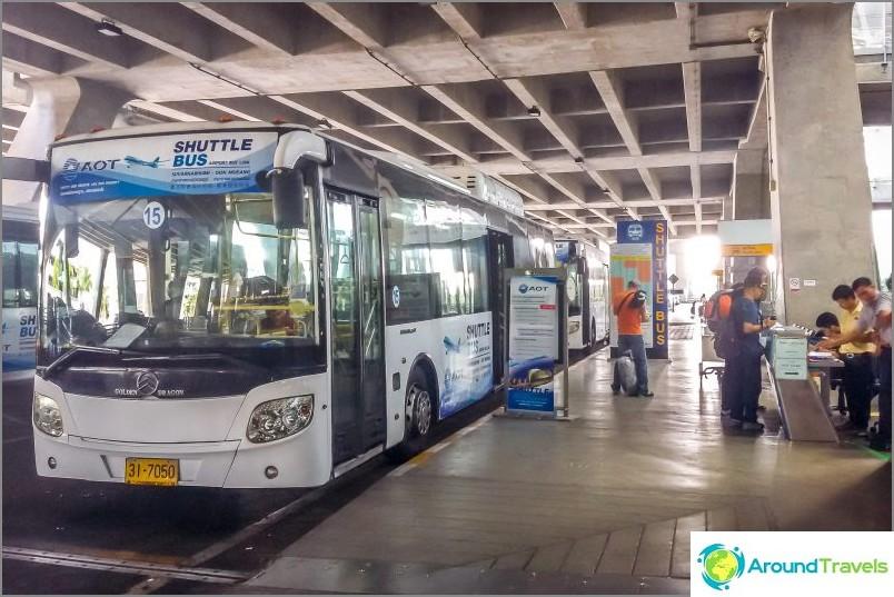 Ilmainen bussi Suvarnabhumista Don Muangiin