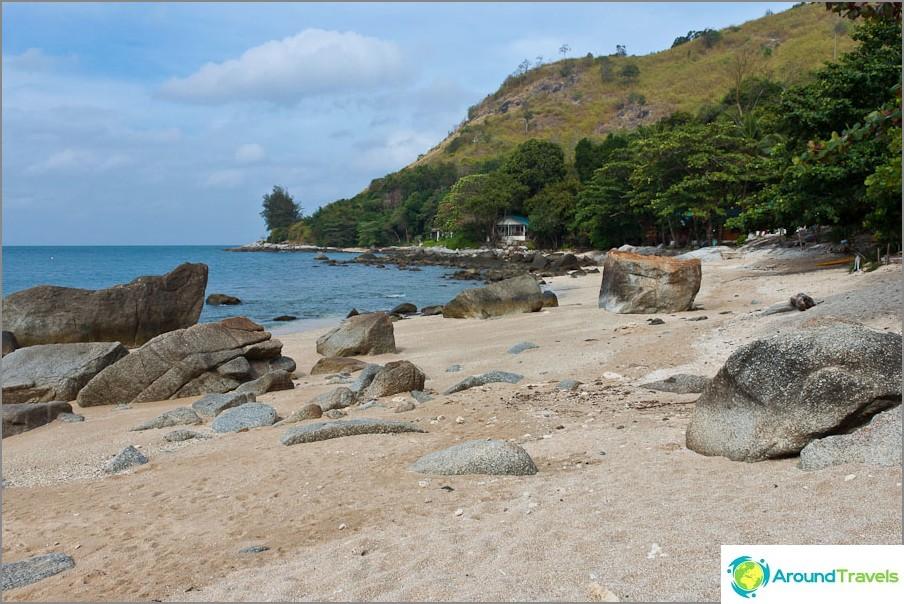 Безплатен плаж до Nai Harn
