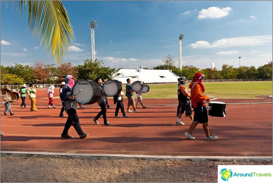 Репетиция на оркестър на тайландска разходка