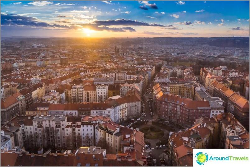 Haluan ennen kaikkea katsoa Prahaa ylhäältä.