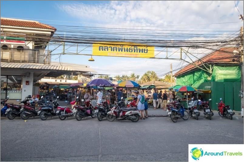 Pantip-tori Koh Phanganilla