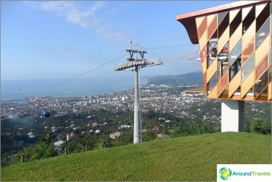Upea näkymä avautuu Batumin köysiradan yläosasta