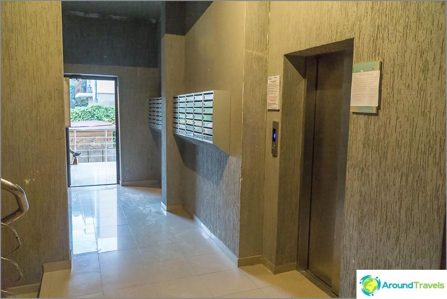 Hissi, joka toimii vain korteilla, 600 ruplaa / kk