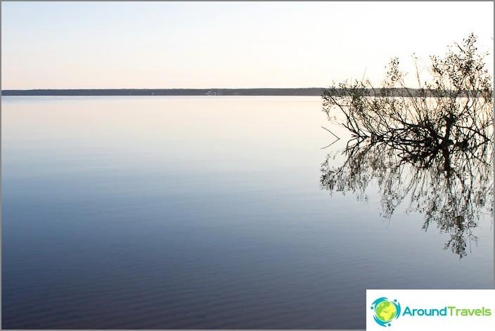 Aamu. Volgo-järvi.